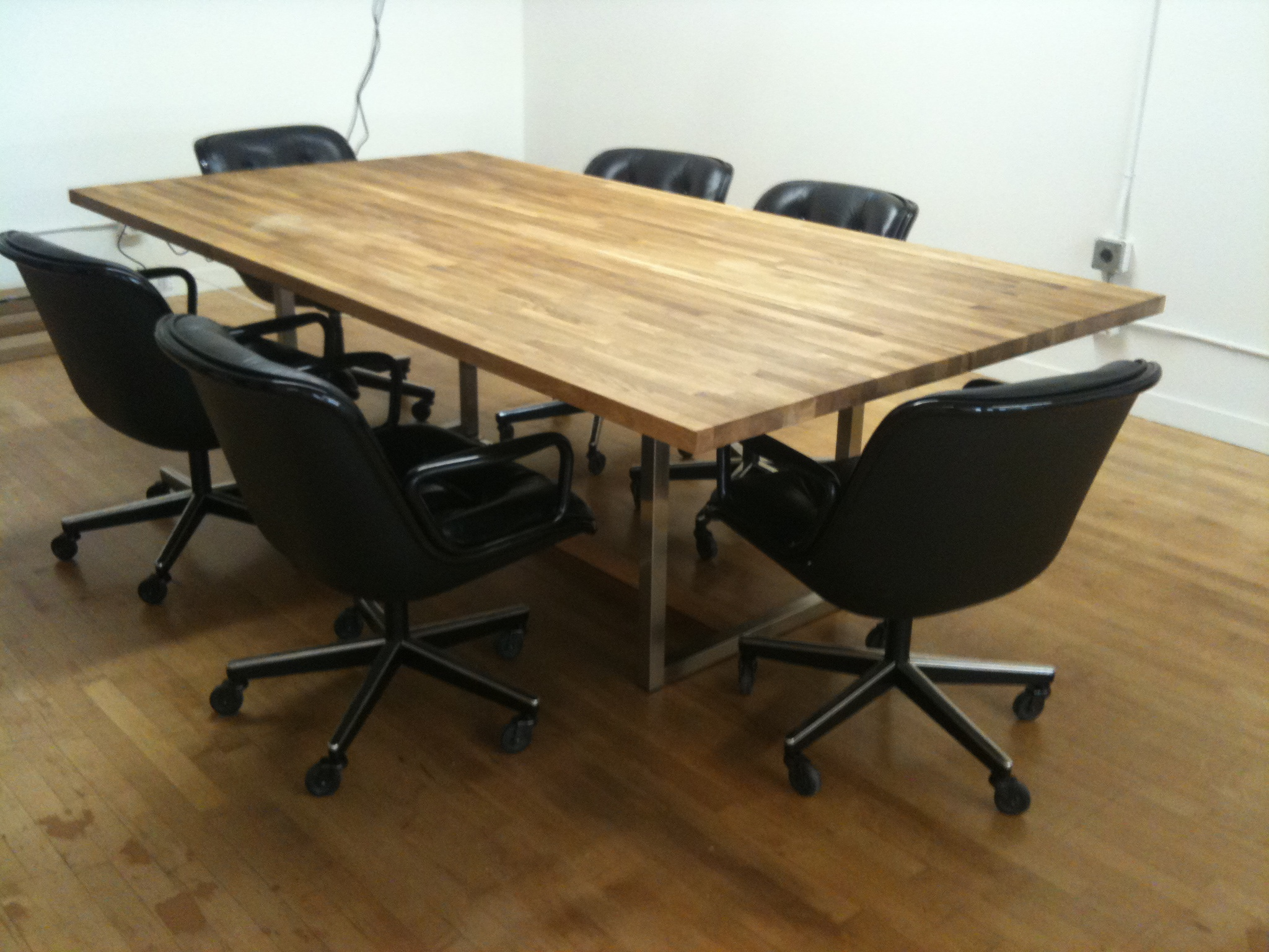 Office Furniture For Rent In Mumbai